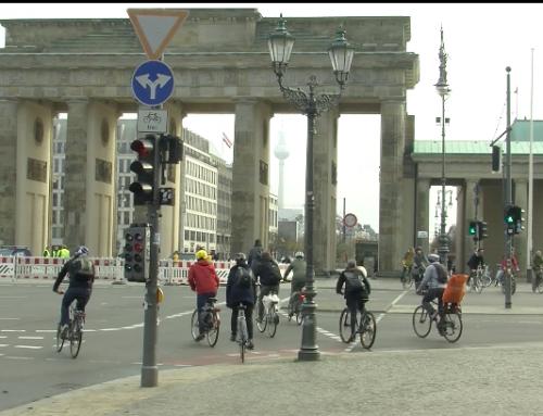 Sicher im Sattel – auf dem Fahrrad durch Berlin (Video)