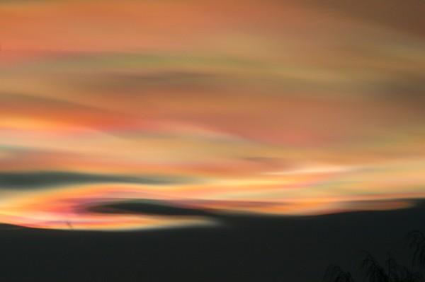 leuchtende Farben einer Wolke
