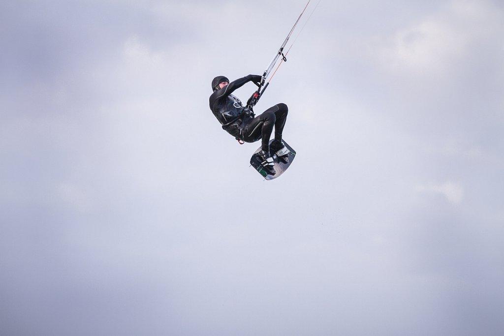 Kitesurfer an Neujahr (Ostsee/Darß)