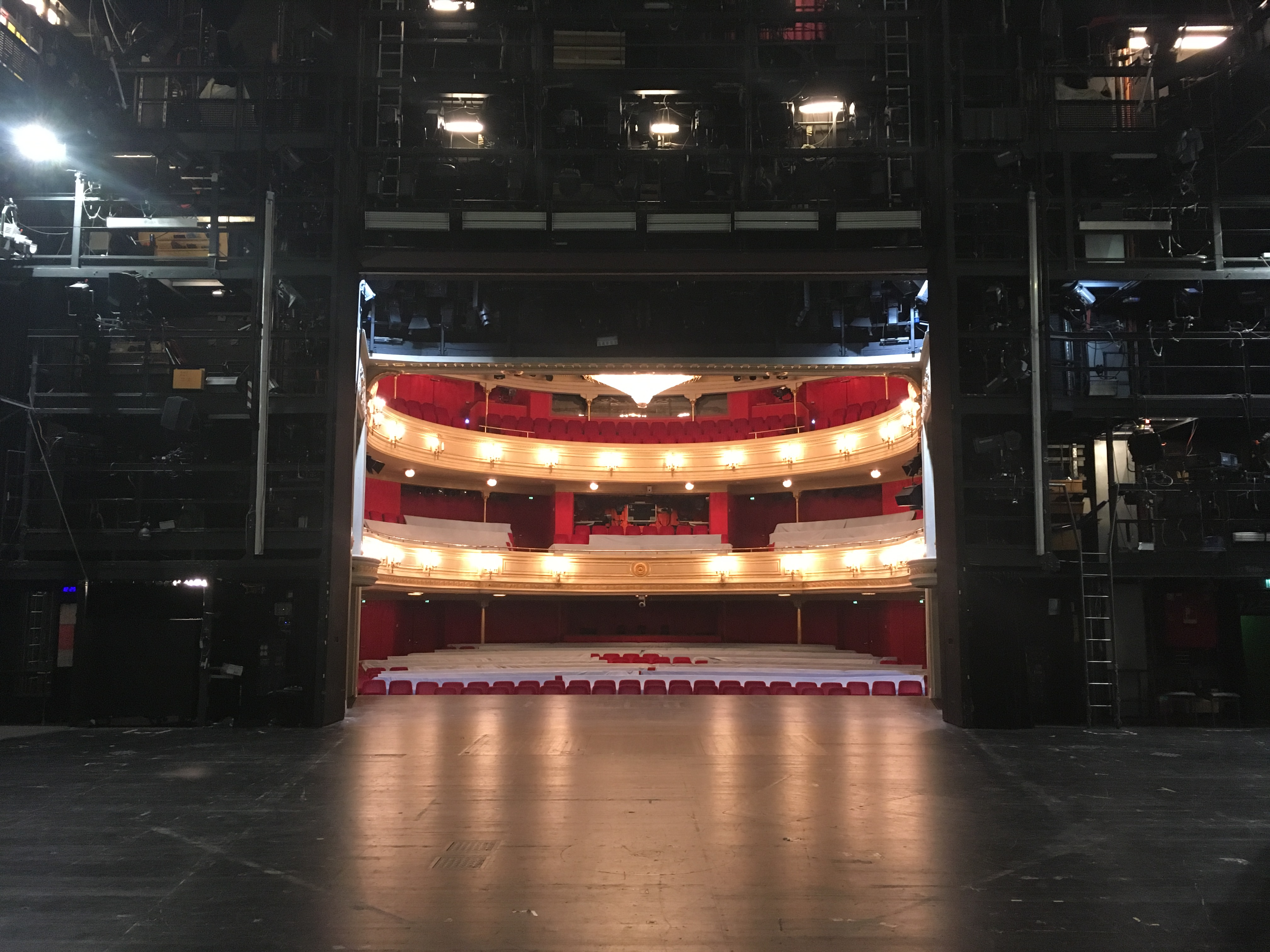 Vereinbarkeit von Familie und Beruf am Theater:  Da muss sich jeder selbst drum kümmern